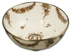 A bow porcelain bowl painted by Thomas Craft c1760