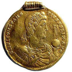medallion photo dactualit picture d pictures lombardy pavia theodosius golden i a italy images all roman with detail getty gold musei civici century actualit solid