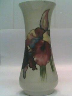 unusual-moorcroft-vase