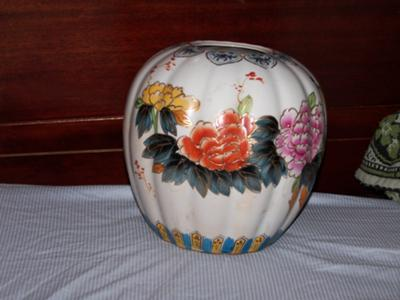 Antique Chinese Vase 2 Design