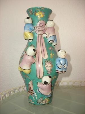 Quinlong Dynasty Good Luck Vase