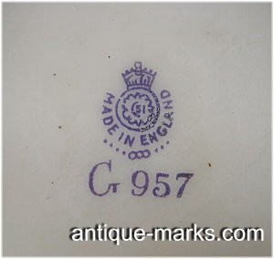Fake Royal Worcester Mark with wrong crown and center