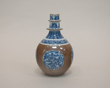 kangxi blue and white pot