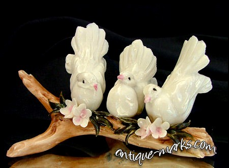 CAPODIMONTE Porcelain - Trio of Fan Tailed Doves Figure